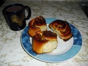 Caracolas (pan dulce) rellenas de dulce de lechosa